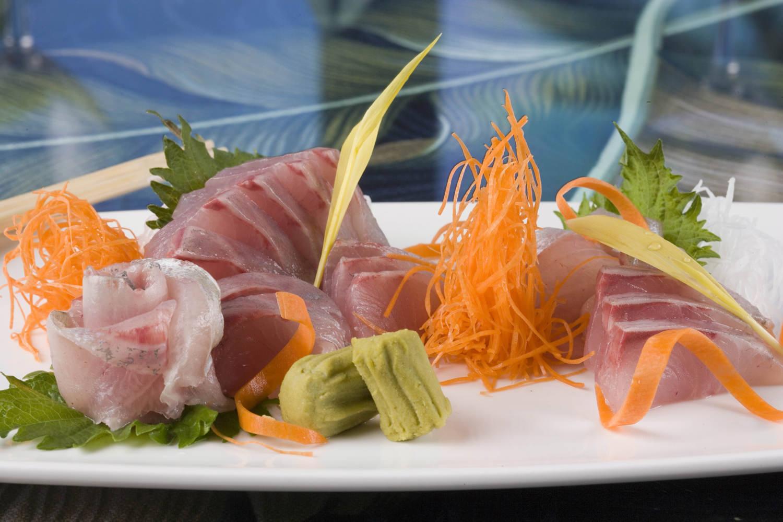 Kona Kampachi sashimi.jpg