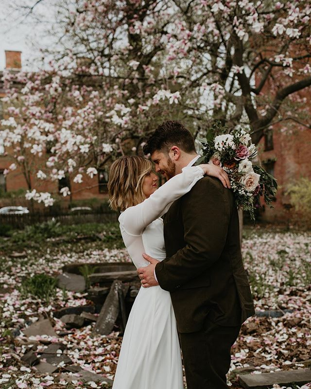 it's a little chilly, but spring is here! a huge thank you to @troybnb for letting us sneak a few shots under their stunning magnolia tree 🤤 . . . . #nywedding #upstatenywedding #nyweddingphotographer #nyphotographer #upstatenyphotographer #DIRTYBOOTSANDMESSYHAIR #wanderingweddings #authenticlovemag #wedventuremag #weddingchicks #intimatewedding #destinationelopement #veil #weddingdress #elopementphotographer #elopementcollective #weddinginspiration #intimateweddingphotographer #adventurouswedding #adventurephotographer #adventureelopement #helloelopement  #hudsonvalleyny #hudsonvalleywedding #brideandgroom #hudsonvalleyweddingphotographer #upstateny #chasinglight #nyc #nycweddingphotographer