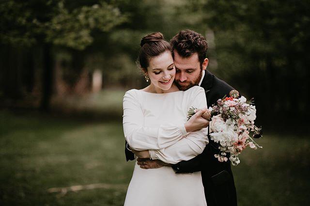 Can't get over this amazing wedding 😍😍! Congrats Ryan & Mollie . . . . . . . #nywedding #upstatenywedding #nyweddingphotographer #nyphotographer #upstatenyphotographer #DIRTYBOOTSANDMESSYHAIR #wanderingweddings #authenticlovemag #wedventuremag #weddingchicks #intimatewedding #destinationelopement #lovecapturerepeat #elopementphotographer #elopementcollective #weddinginspiration #intimateweddingphotographer #adventurouswedding #adventurephotographer #adventureelopement #helloelopement #indiewedding #bohowedding #bohobride #hudsonvalleywedding #hudsonvalleyphotographer #careyinstituteforglobalgood