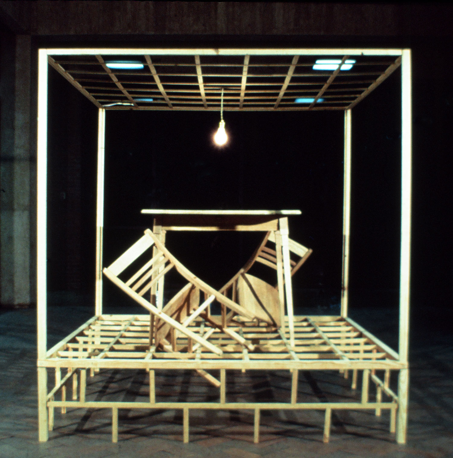 wood-sculpture-mainspring-monument-artist-tom-gormally.jpg