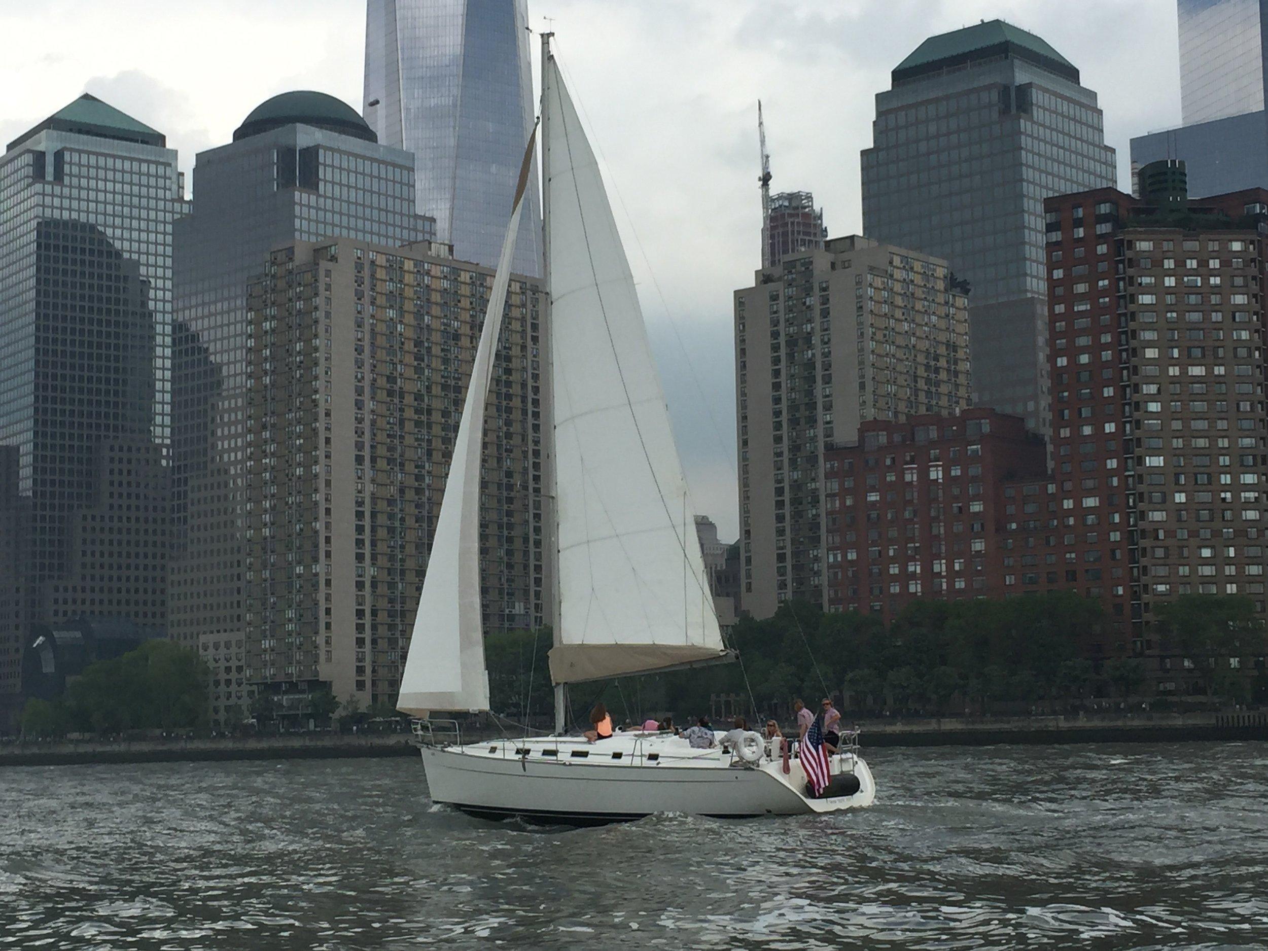 Sailboat Rental NYC Skyline.jpg