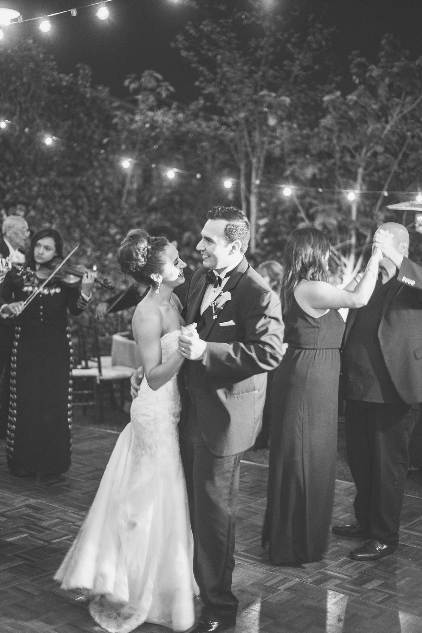 Monica-Oscar-Martinez-Wedding-435.jpg