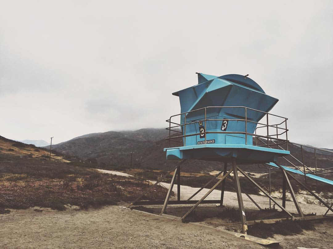when-you-pray-for-goldenhour-sun-but-its-clouds-for-miles-we-still-had-a-great-shoot-though-photographerproblems-130366---malibu-beach-lifeguard-photoshoot-sneakpreview-of-sorts-of-an-engagement--elopement-style-shoot-leocarrillo-dark_27256018680.jpg