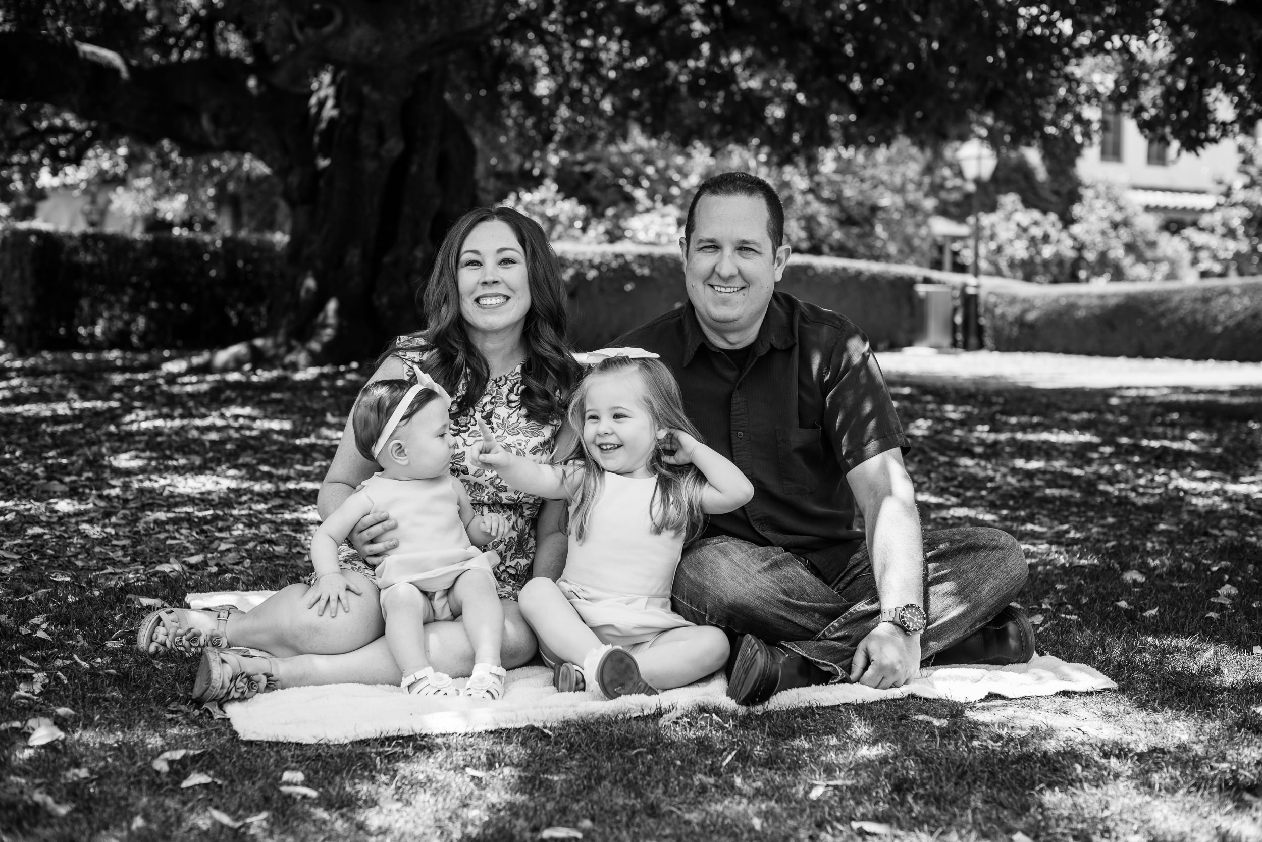 sFamily Session with Haylee, Emma, Meechelle, and Bryan-26.jpg