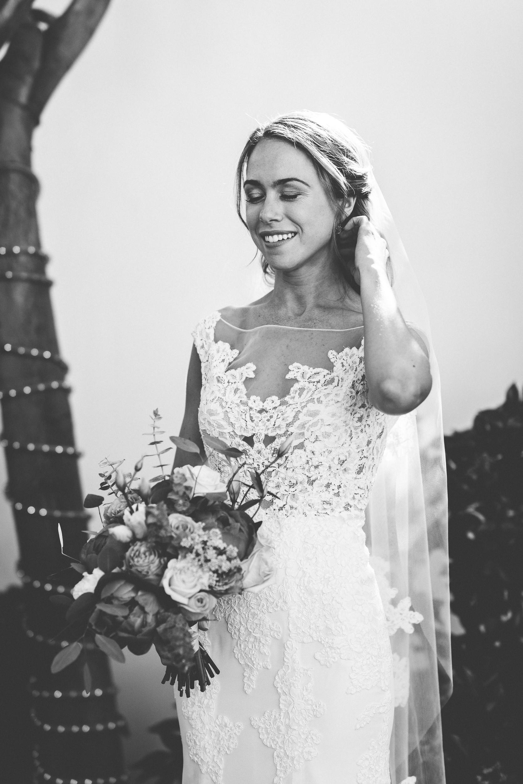 sL + E - Verandas Manhattan Beach - 04 Bridal Portraits-4.jpg