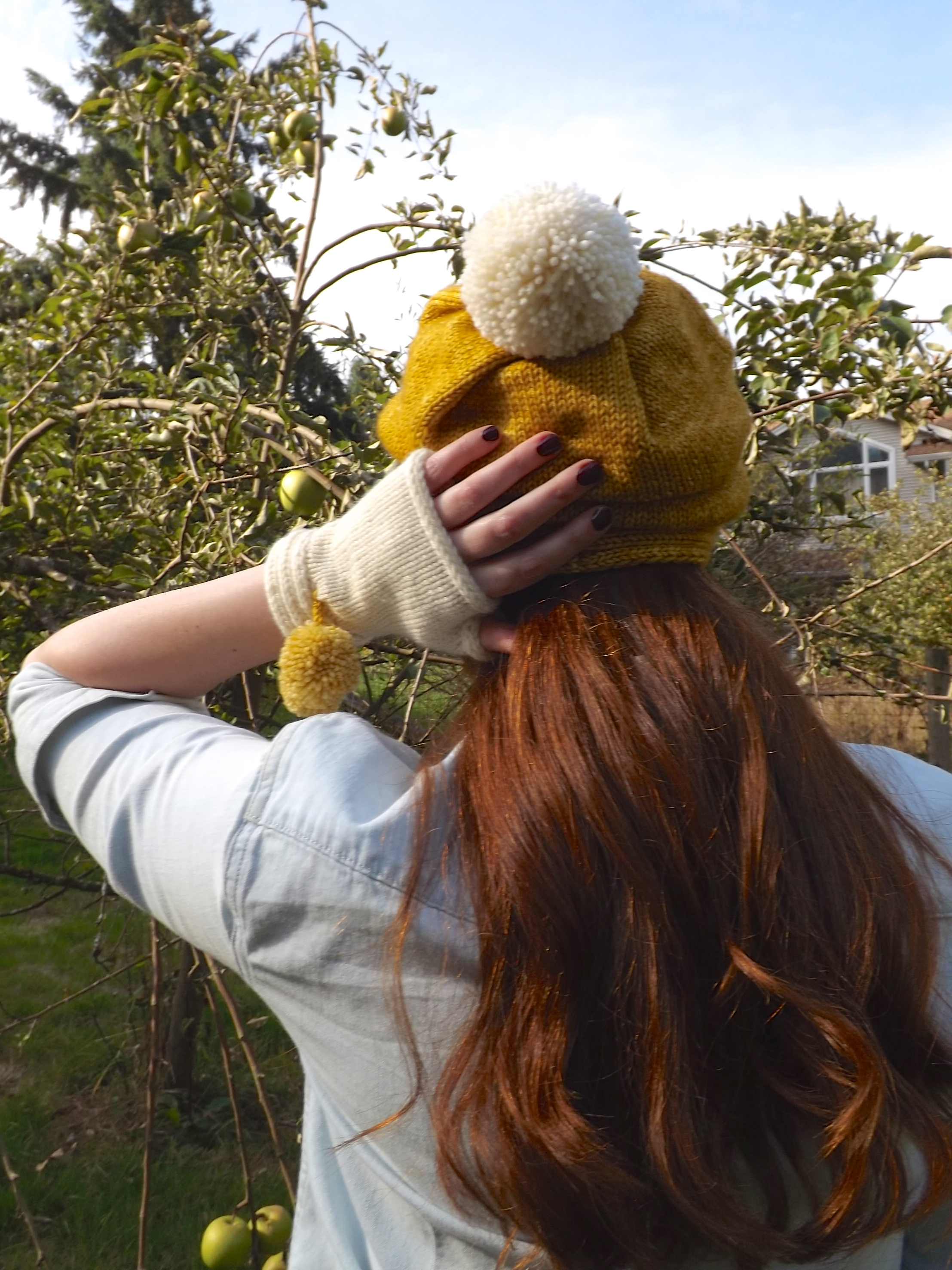 Marhc Hare Hat and Mitts back