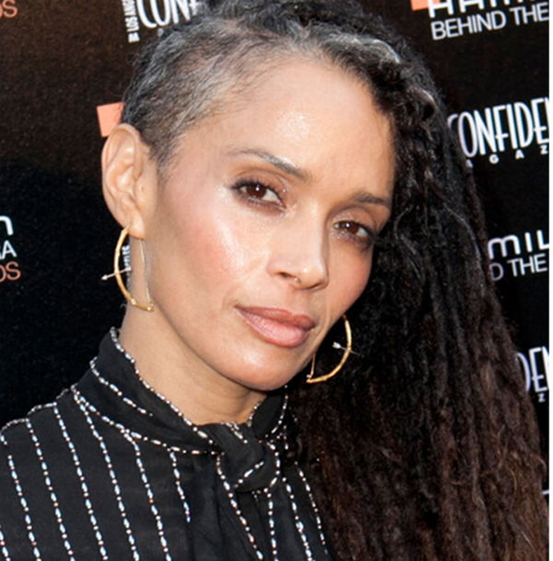 lisa_bonet_grey_hair.jpg