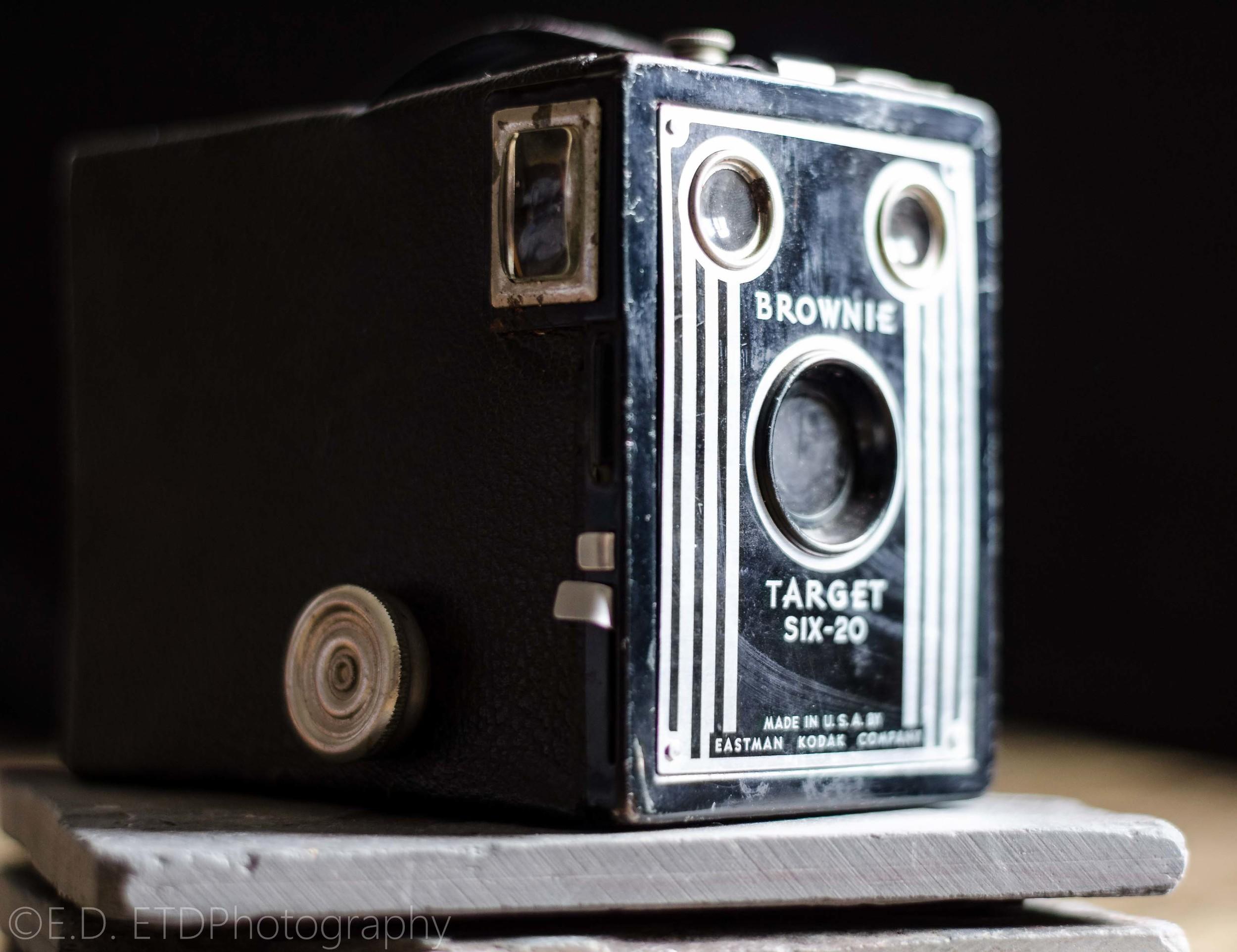 Brownie Target Six-20 Box Camera