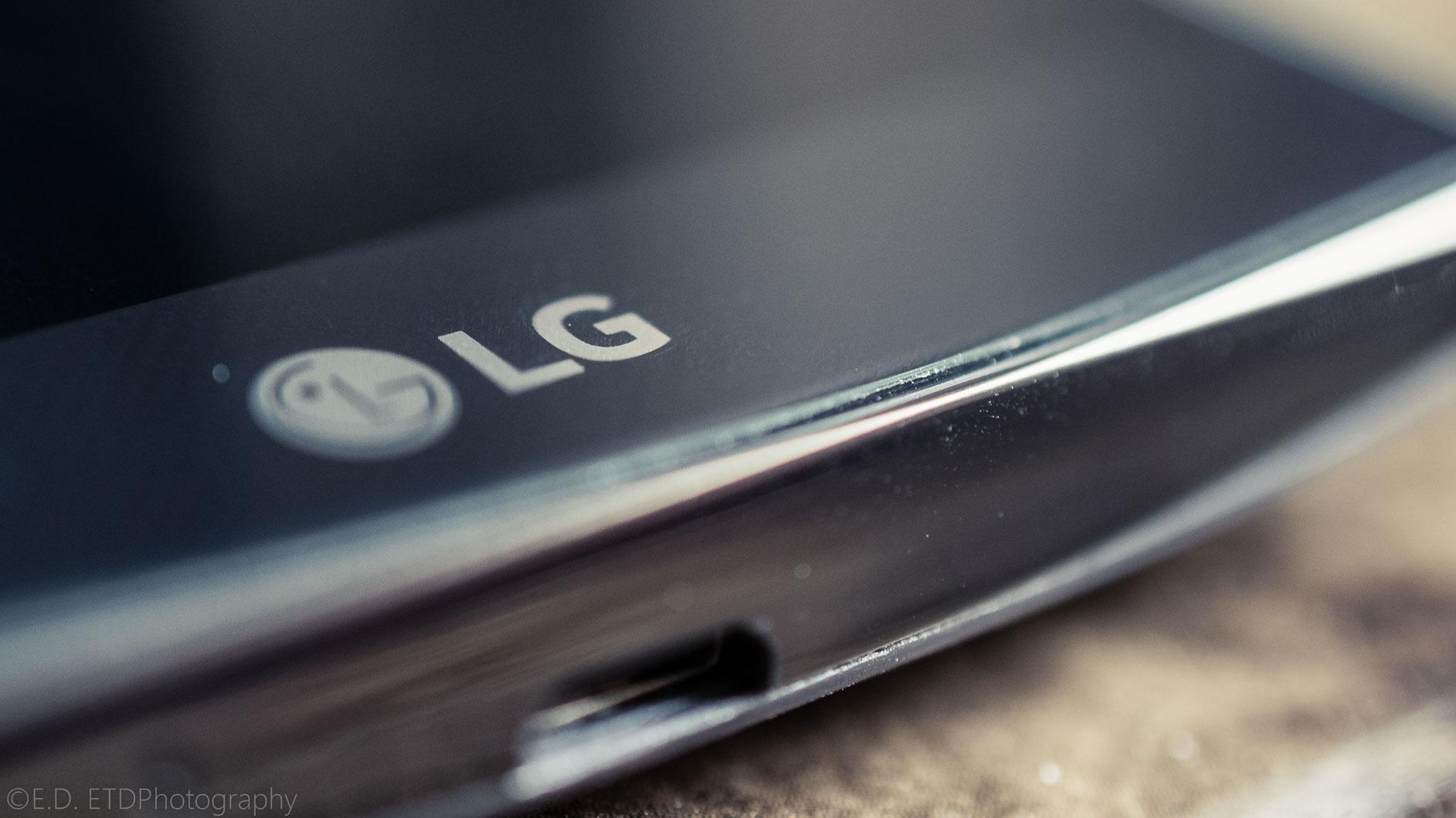 LGReview_Edit_Minis_Phone-1.JPG