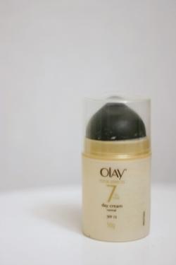 Decent moisturiser and some good ingredients.