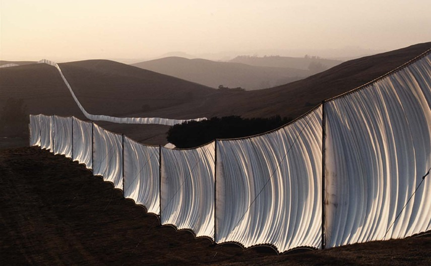 Christo-and-Jeanne-Claude-Running-Fence-1973-Image-via-archdailycom.jpg