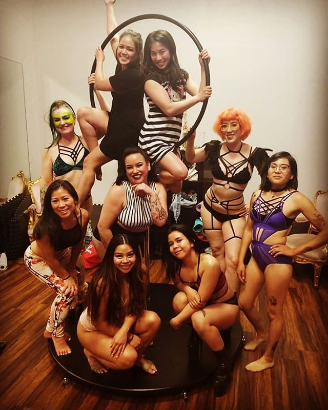 So about last night!!! I could not  be more proud of these ladies right here. Thank you @penny_spaghetti @thenorawoods @noisylittlegirl @jasmine_kimmie @lynnja @camillepoledancer @eyyuen @tierneymedick @toovenus and Steph. You all exceeded my expectations. ♥️