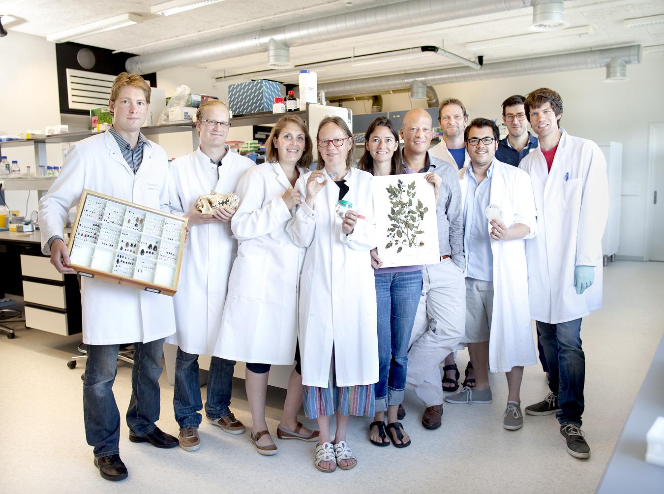 Researchers University of Leiden.   Use: NRC Bijlage   Cliënt:  NRC newspaper