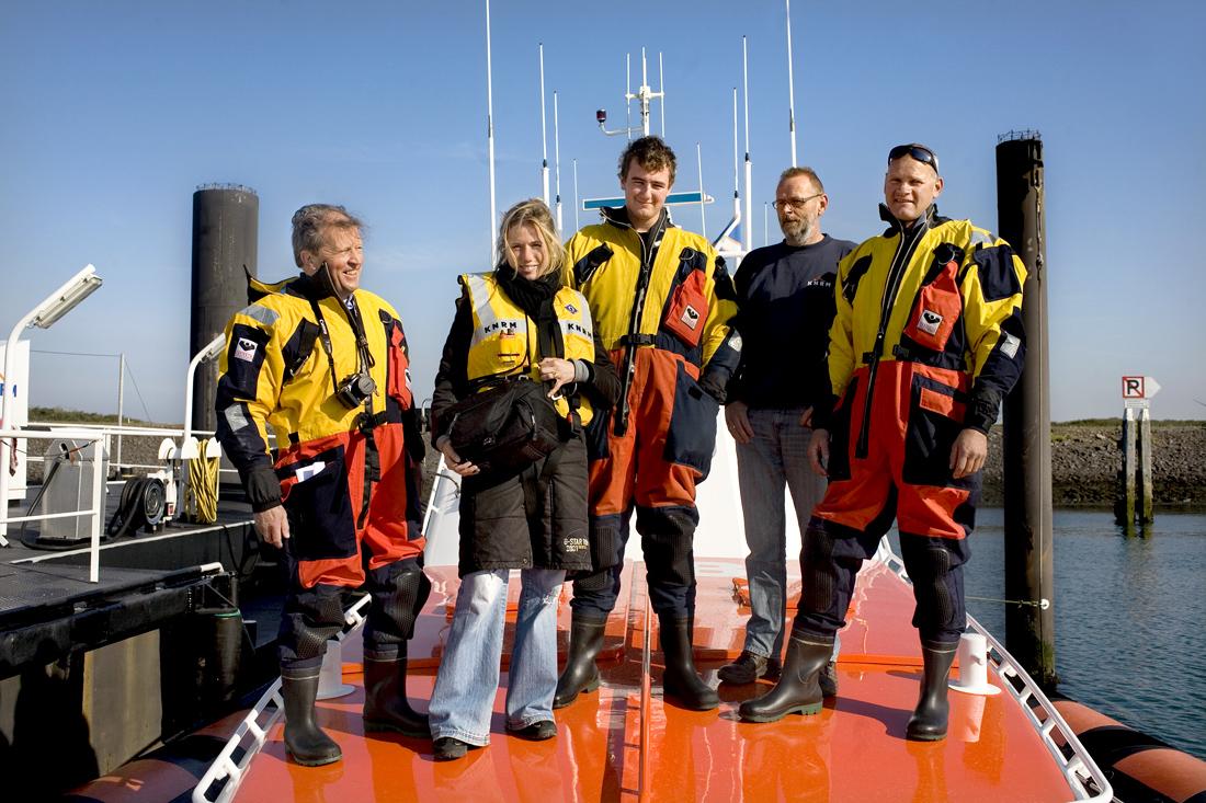 Mee met de reddingsbrigade bij de Neeltje Jans in Zeeland.