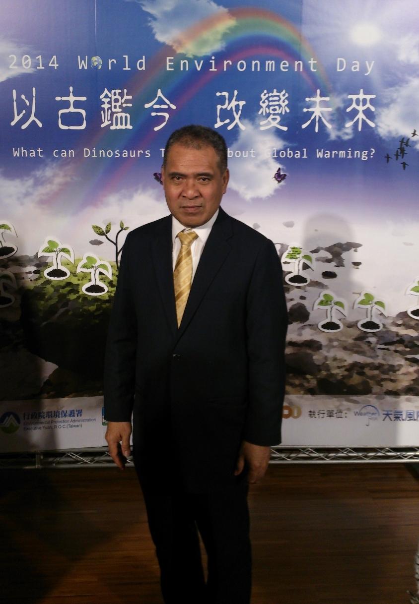 Ambassador Minute Alapati Taupo/陶敏德大使