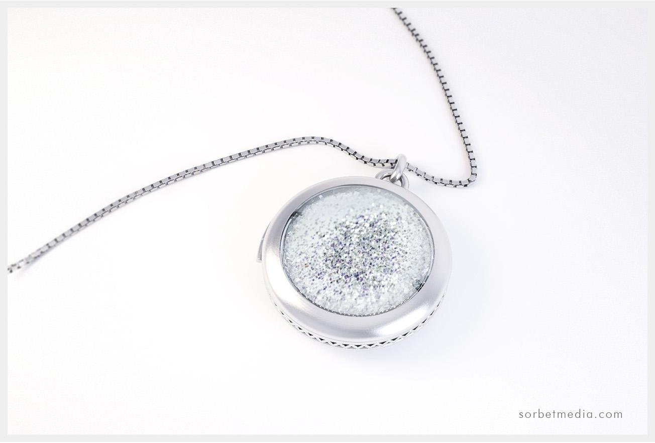 scented pendant - concept 3d jewellery render