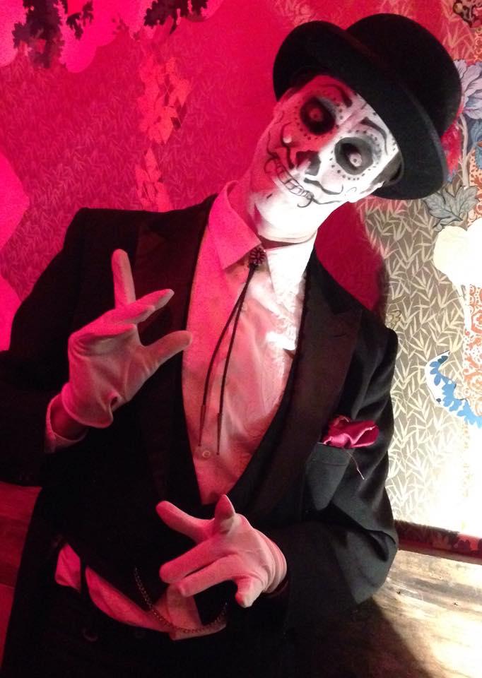 Skeleton Mime / Juggler / Day of the Dead