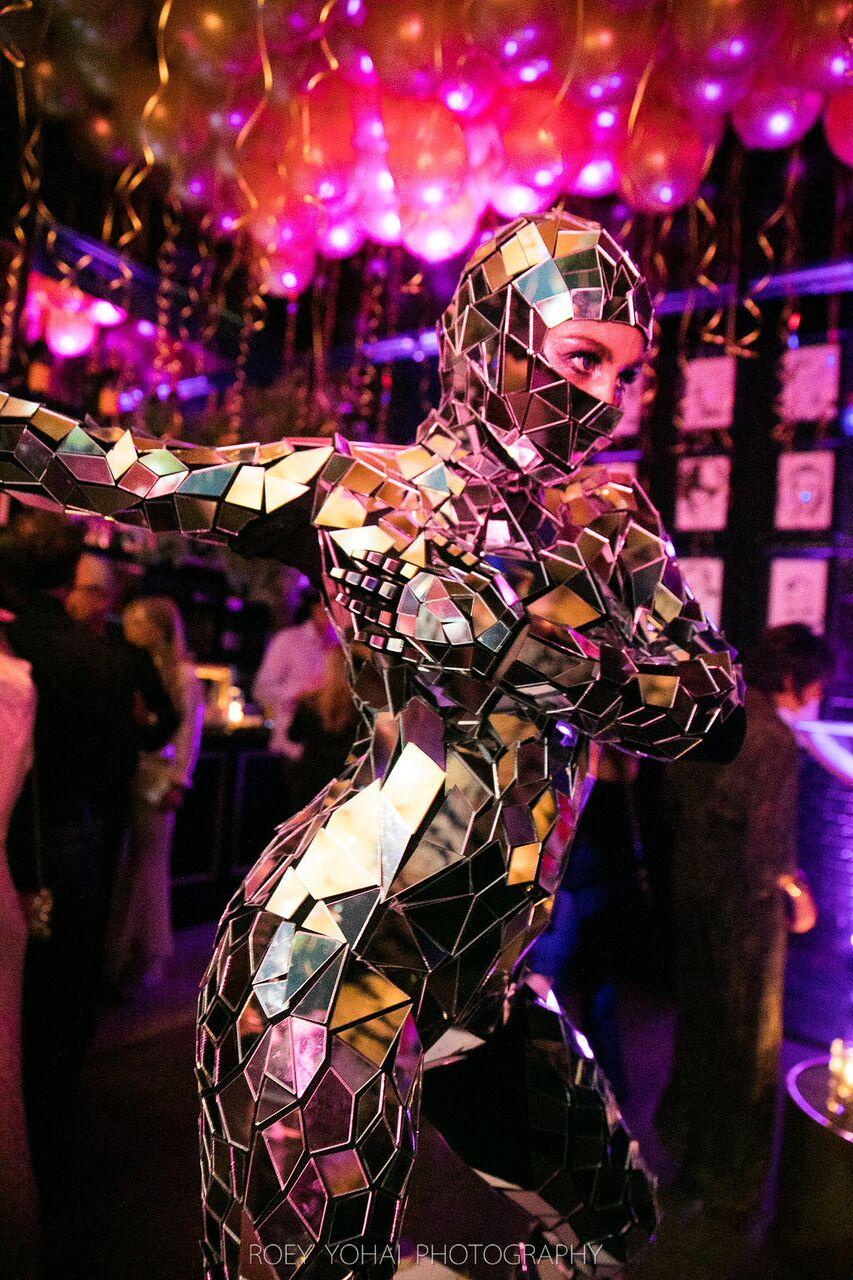 Mirror Suit Dancer