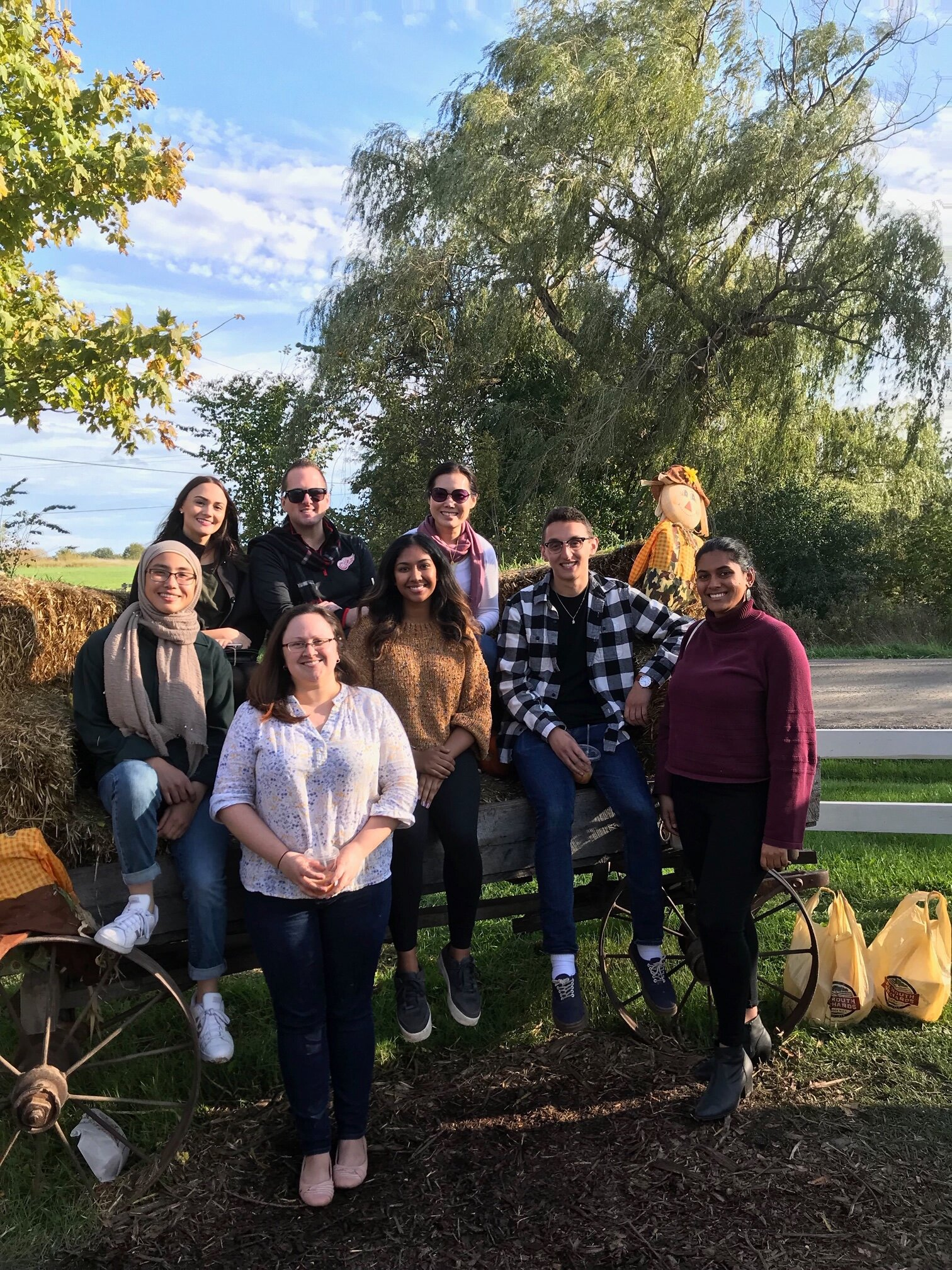 SNL Lab members at our Annual Fall Cider Mill Outing!