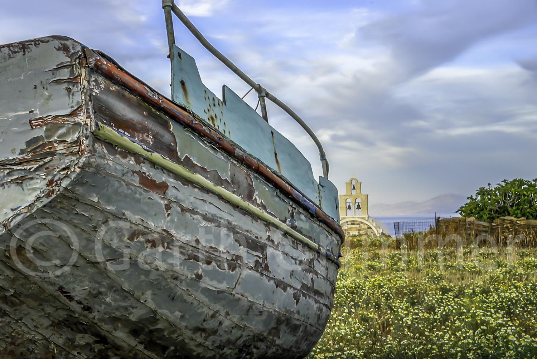 Boat and Church,   Koufonisia, Greese