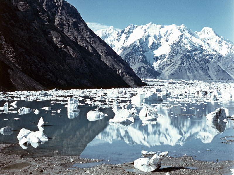 At the Merzbaсher lake glacier falls every year to refill the lake.