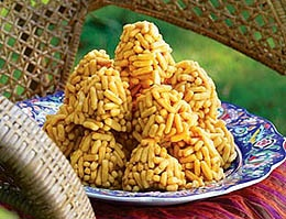 Chak-chak is a Central Asian dessert. Itis made from unleavened dough cut and formed into different shapes, and then deep-fried in oil.