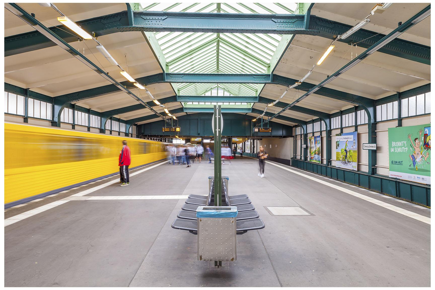 Berlin U-Bahn 6.jpg