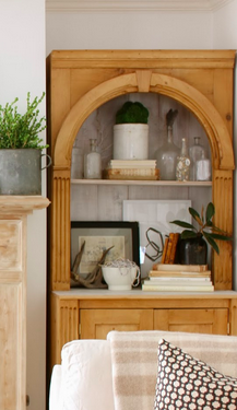 IDEA:  Rustic Bookshelf on Design Indulgence