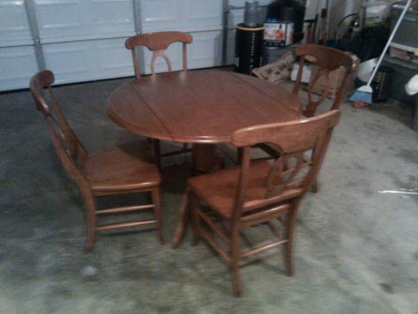 Kitchen Table and Chairs $75