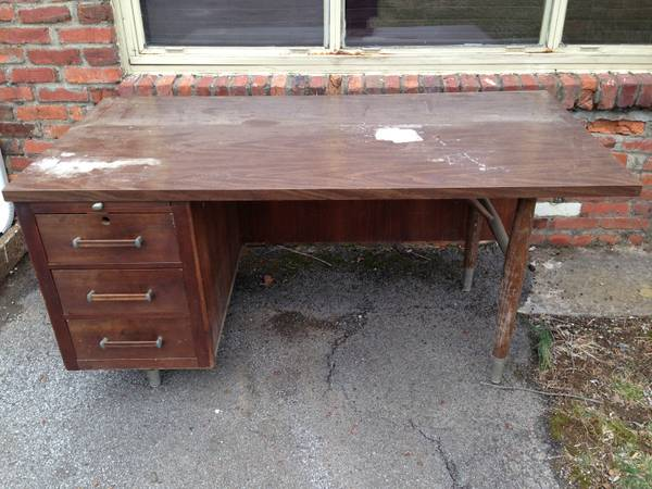 Vintage Office Desk $20  - This is a great desk just needs a little tlc, but for $20 I think its a good deal and there are 2 available.