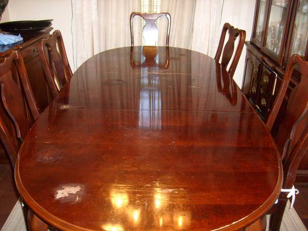 Dining Table and 6 Chairs $150  - This is a great price for the table and chairs. Table top needs a good sanding and the whole set could use a coat of paint, would look stunning when redone.