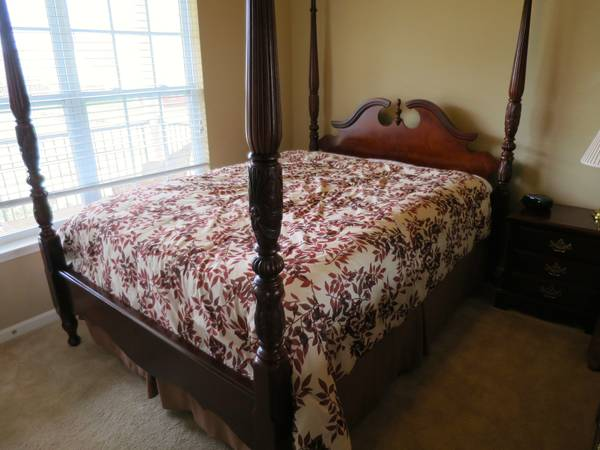 Queen Four Post Bed with Nightstand and Dresser $450