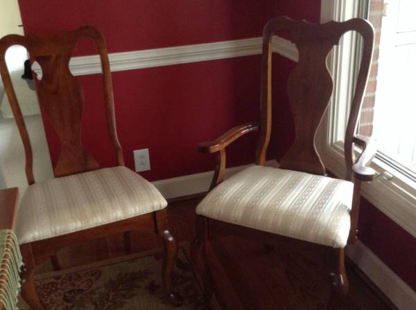 Queen Anne Dining Chairs Set of 6 $70 - Good price for the set, these would look great painted.