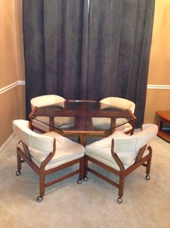 Table and Chairs $200  - This is a unique looking set, definitely has the potential to look very high end.