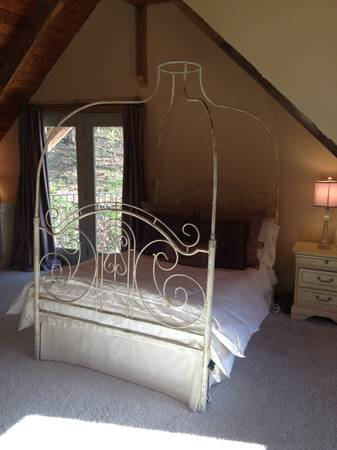 Full-Size Iron Canopy Bed $300