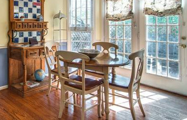 Kitchen Table and Chairs $50  - This is a steal!
