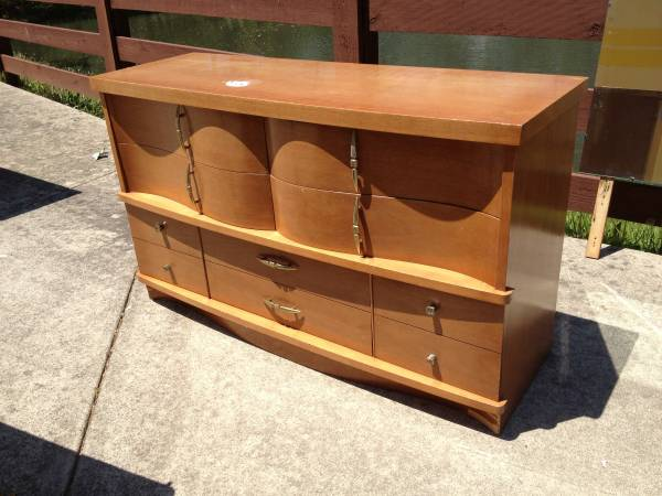 Dresser and Chest $50  - Not sure if it is $50 for both or $50 each but think these could look really cool and modern if painted like high gloss white.