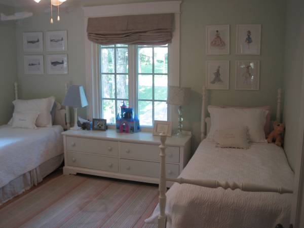 Pair of Twin Beds $425