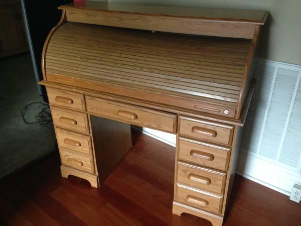 Roll Top Desk $50