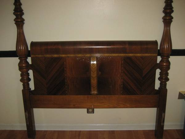 Antique Bed $40
