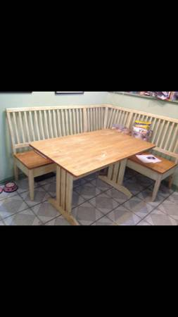 Breakfast Nook Benches and Table $100