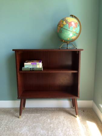 Mid Century Modern Bookshelf $40  - This is a cute little shelf and it just needs a coat of paint.