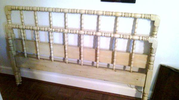 Full Size Jenny Lind Bed     $200     View on Craigslist
