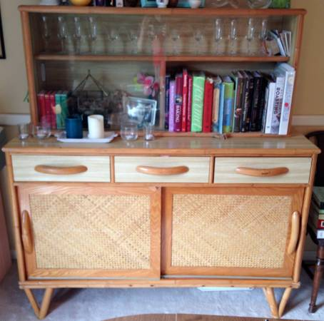 Mid Century Bamboo China Cabinet     $100   I think this piece has a lot of potential. It has a great mid century feel and could be be transformed with a coat of paint.     View on Craigslist