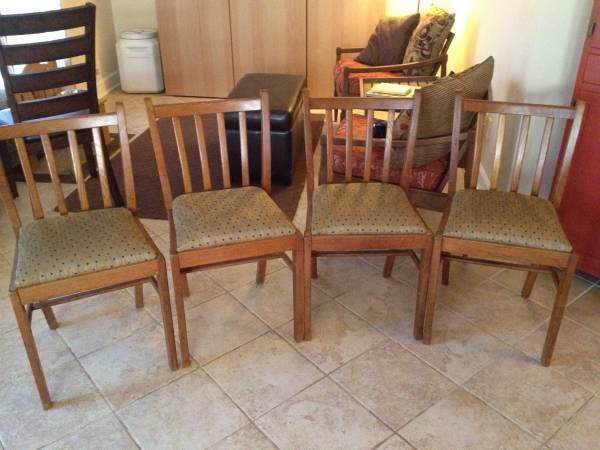 Set of Four Dining Chairs     $25   This is a good price for all four chairs and the seats would be easy to recover.    View on Craigslist