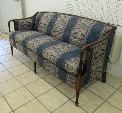 Hepplewhite Sofa     $200   This piece would be so pretty reupholstered.    View on Craigslist