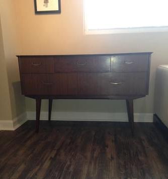 Mid Century Modern Dresser     $100     View on Craigslist