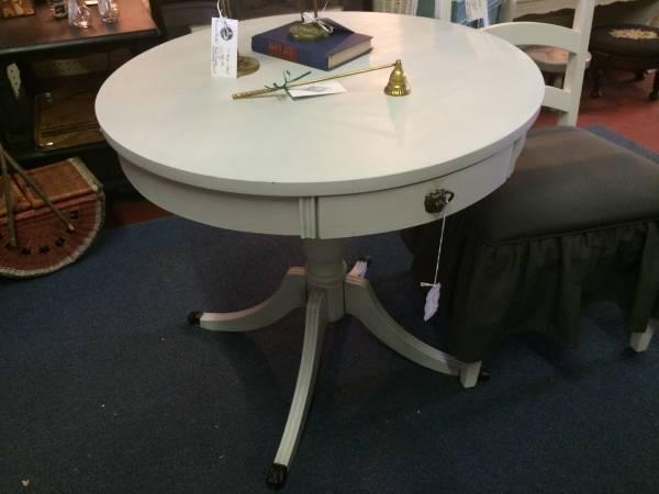 Light Grey Drum Table     $60     View on Craigslist