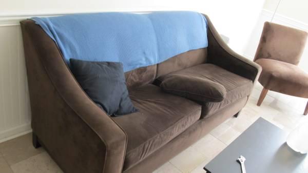 Sofa     $25     View on Craigslist