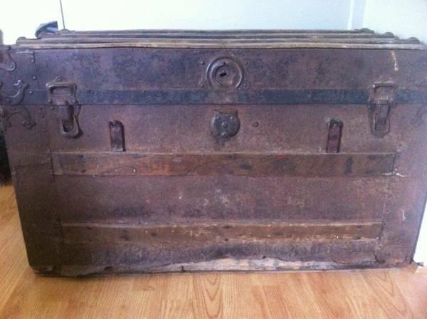 Antique Trunk     $40     View on Craigslist